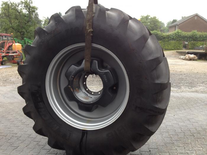 Michelin, 710/70R42, wielgewichten, case international